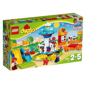 Конструктор LEGO DUPLO Семейный парк аттракционов 10841