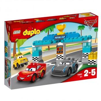 Конструктор LEGO DUPLO Гонка за Кубок Поршня 10857